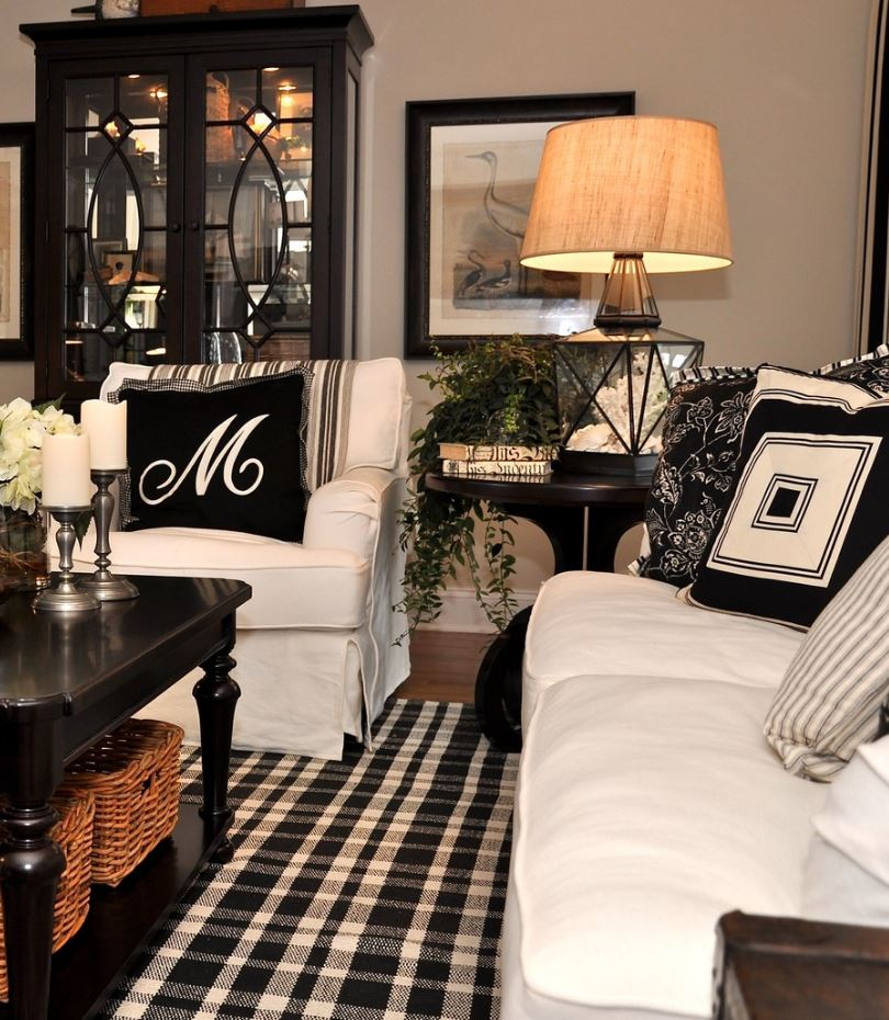 Black and White Decors