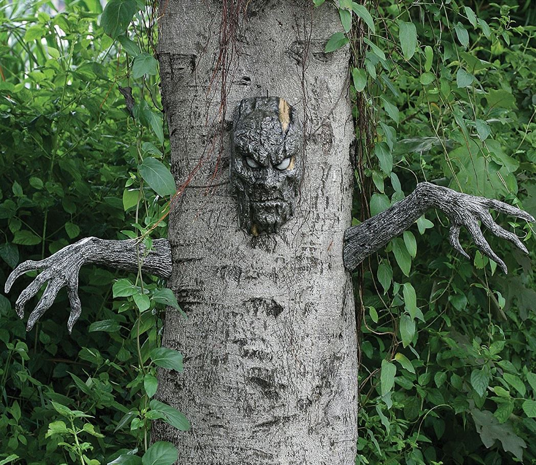 Spooky Living Tree Decoration
