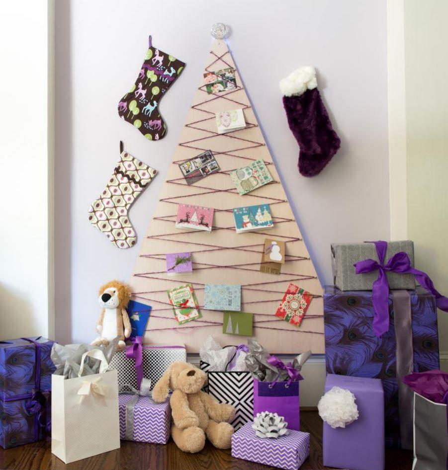 30 Awesome Christmas Wall Decor Ideas