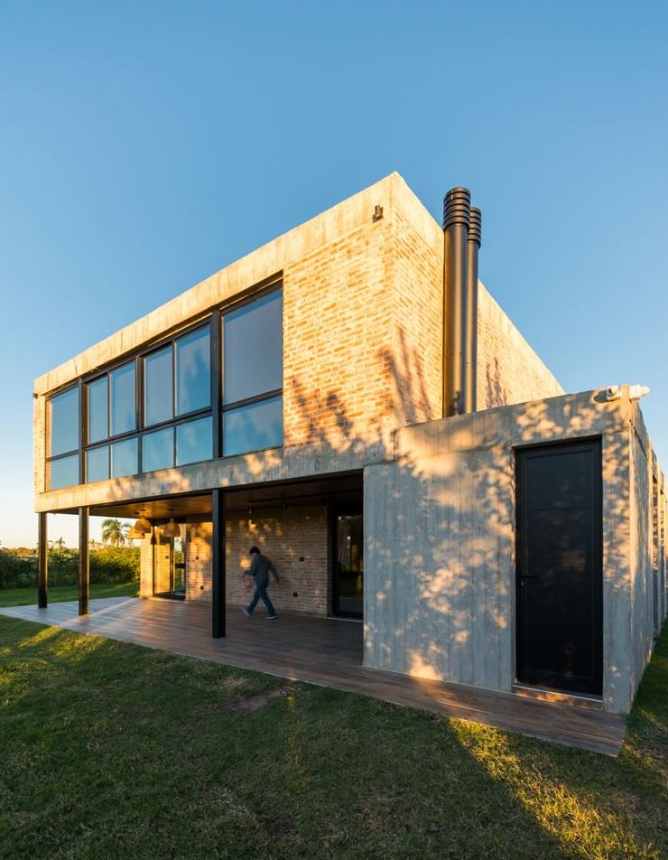 Single-Family Residence in Río Tercero, Argentina
